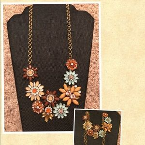 ModCloth floral statement necklace- new with tags